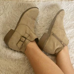 Light tan ankle boots ♥️ booties